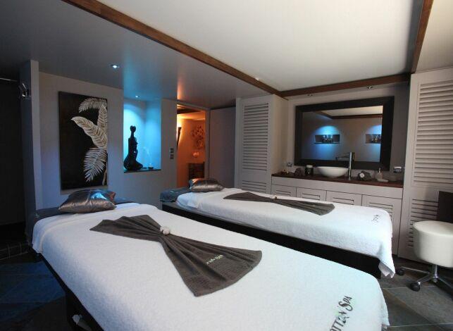 Une cabine de soins double au Cotton'Spa à Etiolles