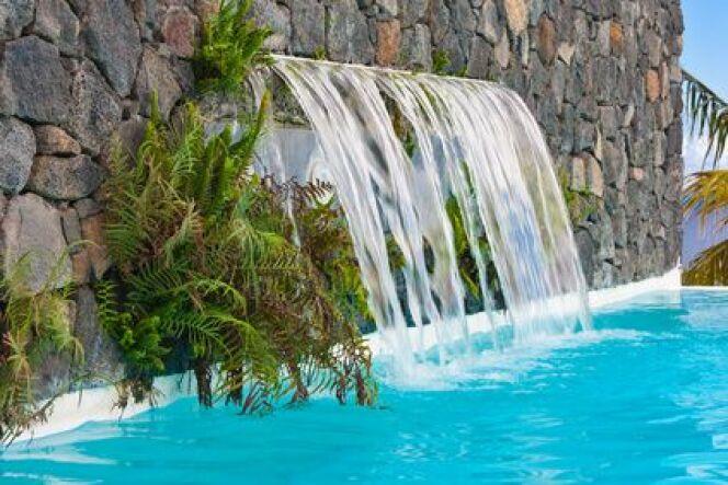 Une cascade pour votre piscine