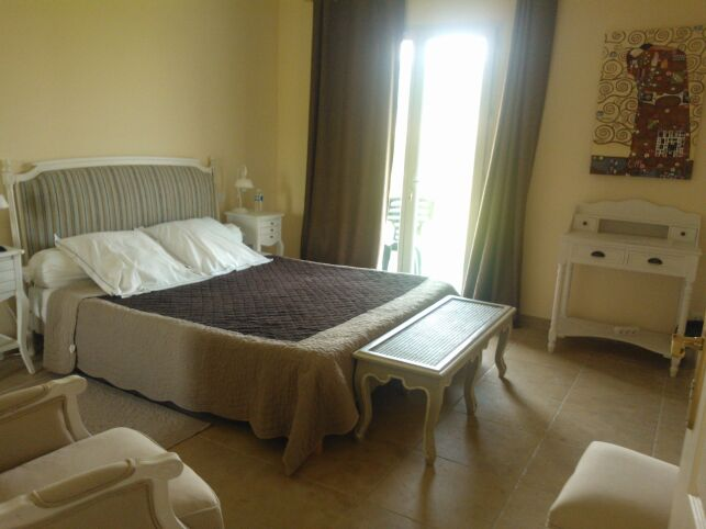 """Une chambre au """"Relais de l'Alsou"""" de Labastide en Val"""