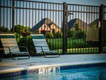 Une clôture pour une piscine sécurisée
