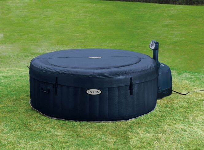 Une couverture pour spa gonflable