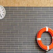Une horloge pour la piscine