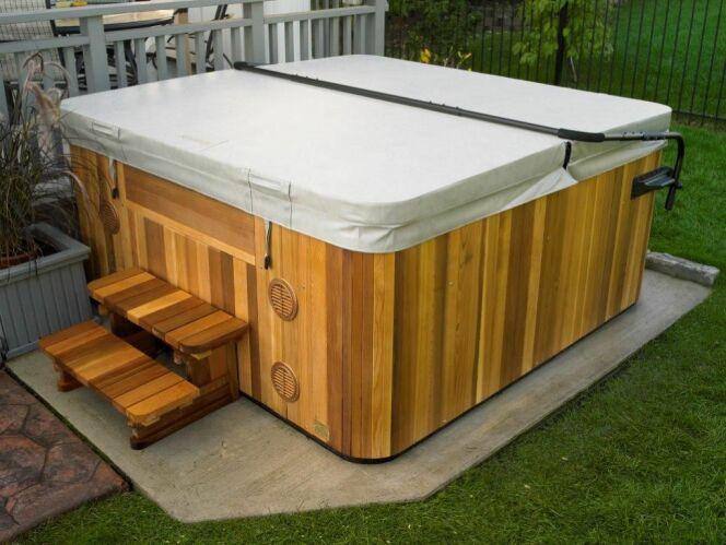 abri pour jacuzzi pas cher elegant dco abri de jardin. Black Bedroom Furniture Sets. Home Design Ideas