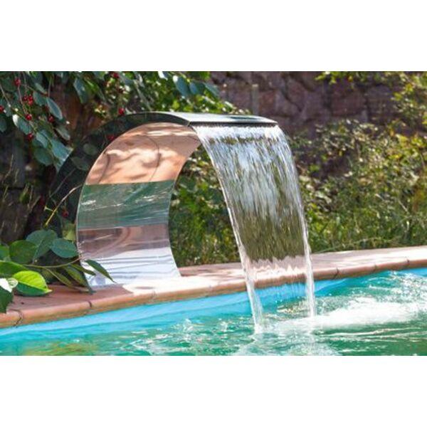 une lame d 39 eau pour votre piscine jeux et animations d. Black Bedroom Furniture Sets. Home Design Ideas