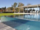 Une piscine transparente