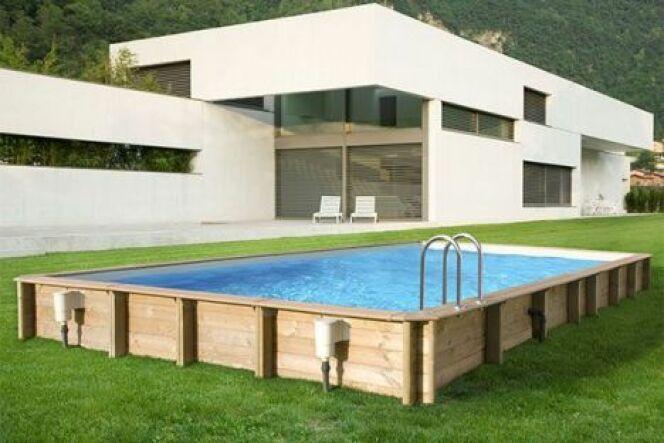 """Une piscine avec ossature bois est élégante et reste stable dans le temps<span class=""""normal italic petit"""">© Piscine Center</span>"""