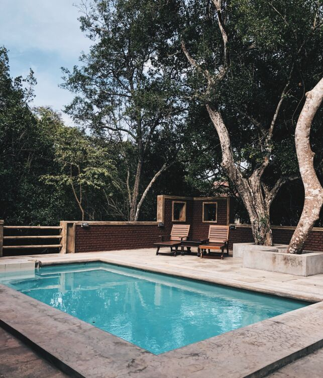 Une piscine avec pente progressive