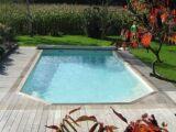 Une piscine coque polyester discount