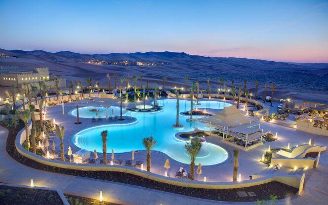 Une piscine dans une oasis : Qasr Al Sarab Desert Resort
