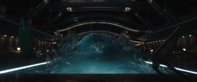 Une piscine en apesanteur, dans le film Passengers (2016)