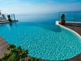 Les piscines avec panneaux en béton