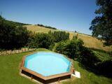Une piscine en bois en solde : économies en vue