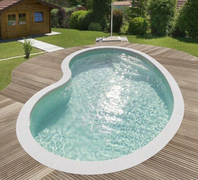 Une piscine en forme de haricot : le modèle Sofia par Piscines Waterair