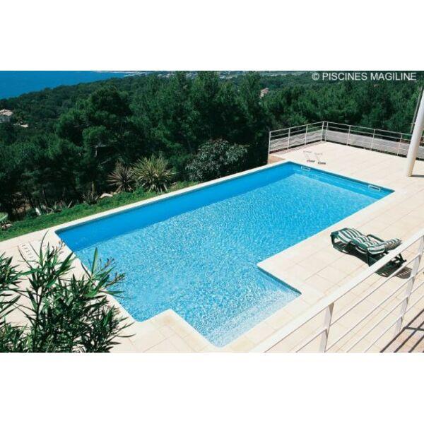 Piscine familiale magiline for Voir piscine