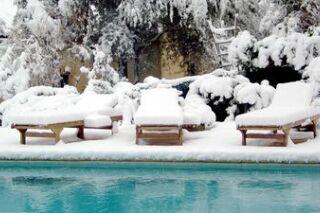 L'hivernage de la piscine : comment hiverner votre bassin ?