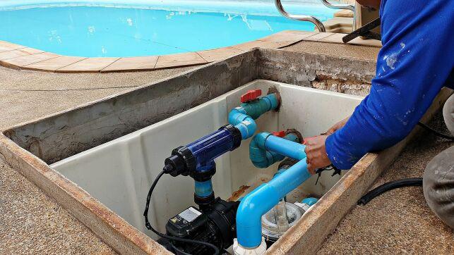 Une piscine en kit avec assistance au montage