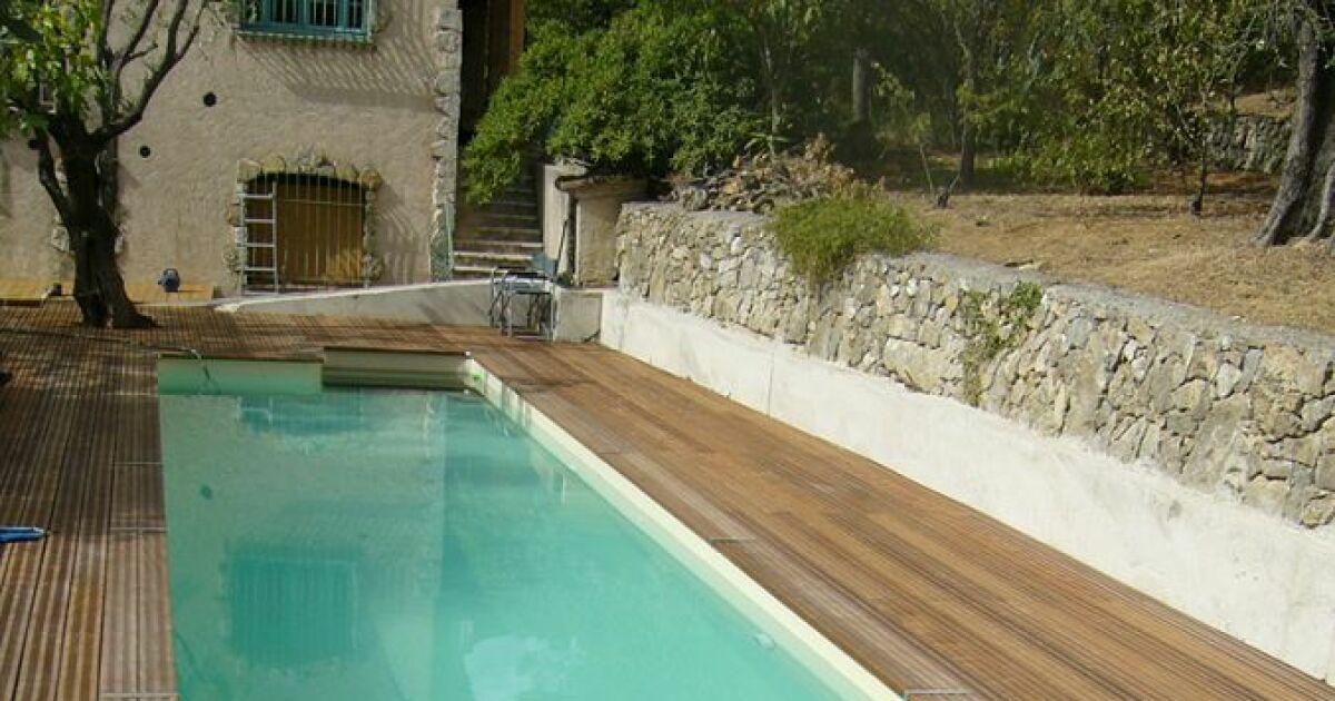du teck pour votre piscine en bois le choix de la qualit. Black Bedroom Furniture Sets. Home Design Ideas