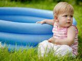 Une piscine gonflable pour bébé