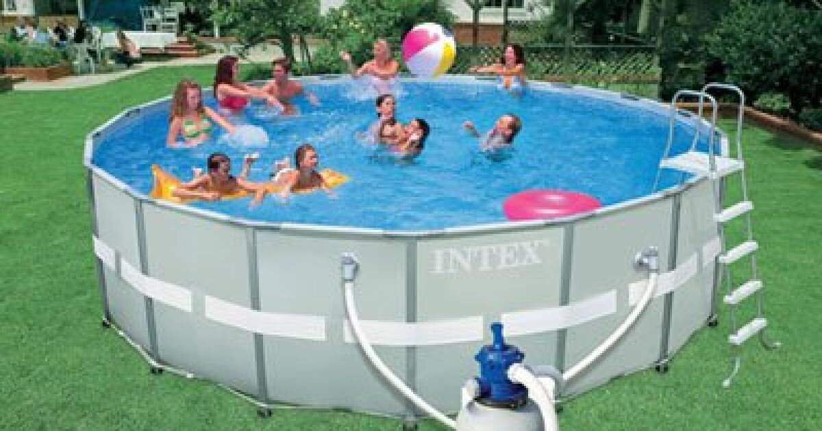 une piscine intex hors sol dans votre jardin. Black Bedroom Furniture Sets. Home Design Ideas