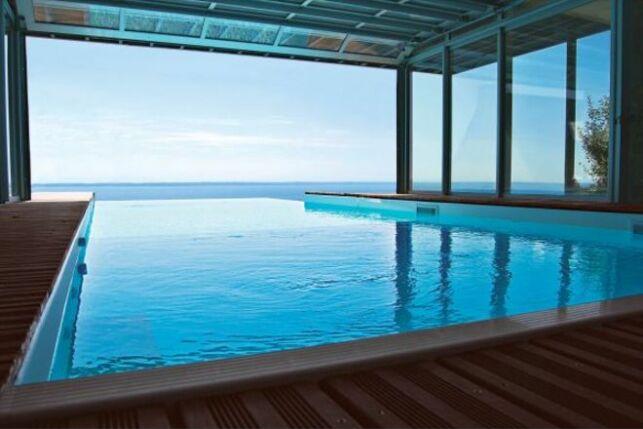 Une piscine luxueuse, par l'Esprit Piscine