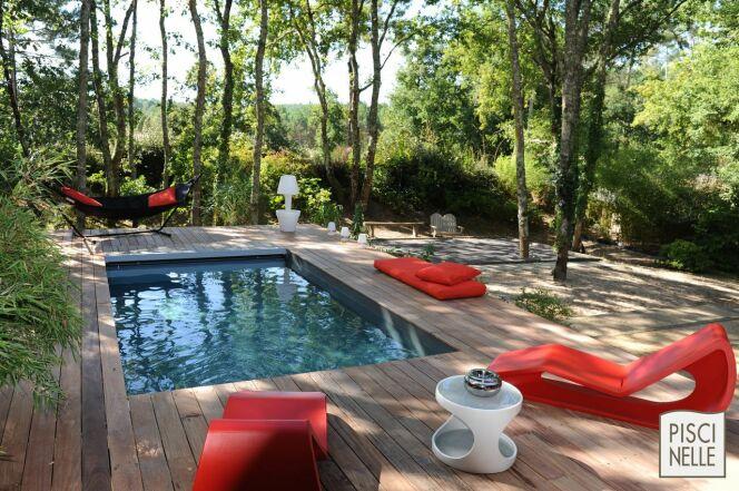"""Une piscine Piscinelle à partir de 70€ par mois !<span class=""""normal italic petit"""">© Piscinelle</span>"""