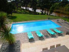 """Une piscine prête à plonger : la construction """"clé en main"""""""