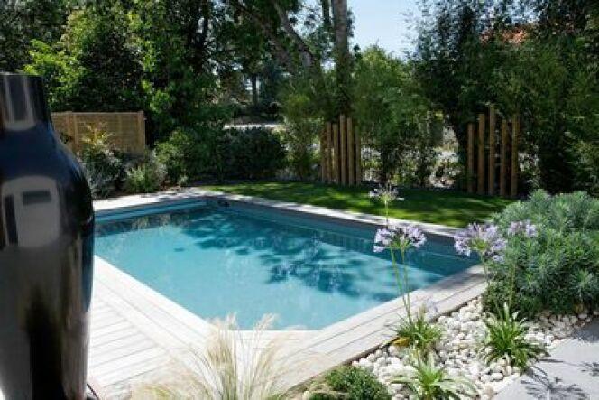 """Une piscine privée en Bourgogne n'est pas un rêve inaccessible.<span class=""""normal italic petit"""">© Caron Piscines</span>"""