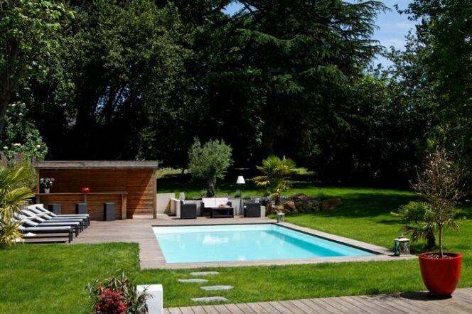 """Une piscine privée en Lorraine ce n'est pas impossible !<span class=""""normal italic petit"""">© Caron Piscines</span>"""
