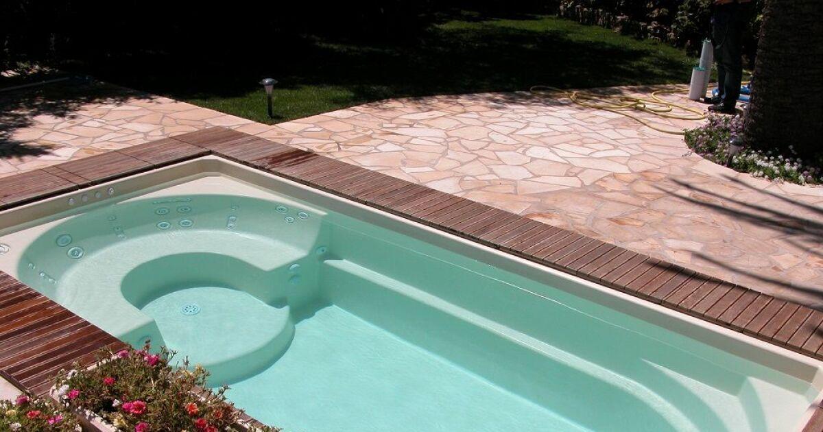 Installer une piscine priv e en poitou charente ce qu 39 il for Installer une piscine