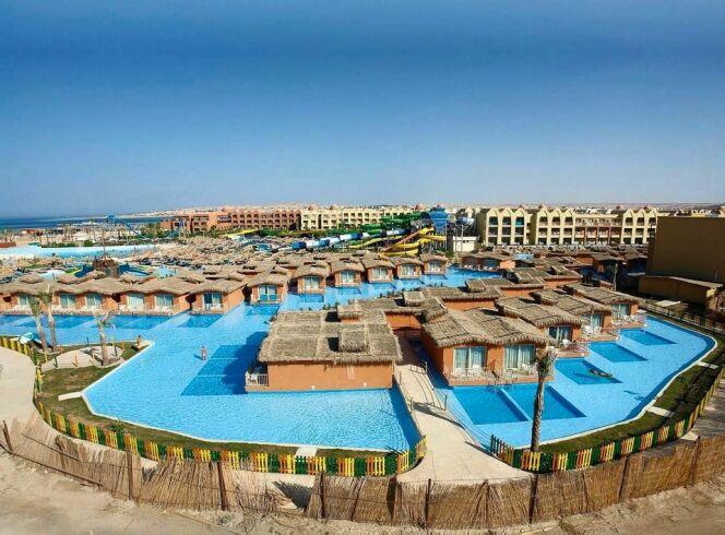 Une piscine publique hors norme sign e desjoyaux for Construction piscine publique