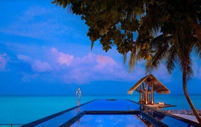 Une piscine qui se jette dans la mer au One & Only Reethi Rah – Maldives © TripAdvisor