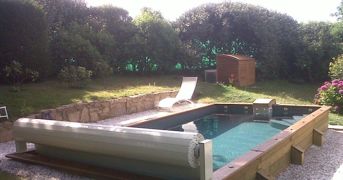 Assez Une piscine semi-enterrée pas cher : faites des économies en  SL12