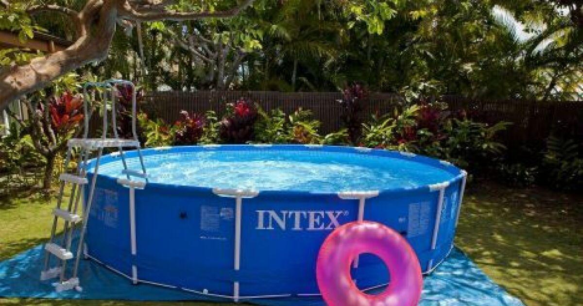 Une pompe pour votre piscine intex une eau toujours propre for Piscine hors sol intex pas cher