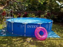 Une pompe pour votre piscine intex : une eau toujours propre