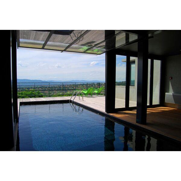 une piscine moderne une apparence contemporaine pour. Black Bedroom Furniture Sets. Home Design Ideas