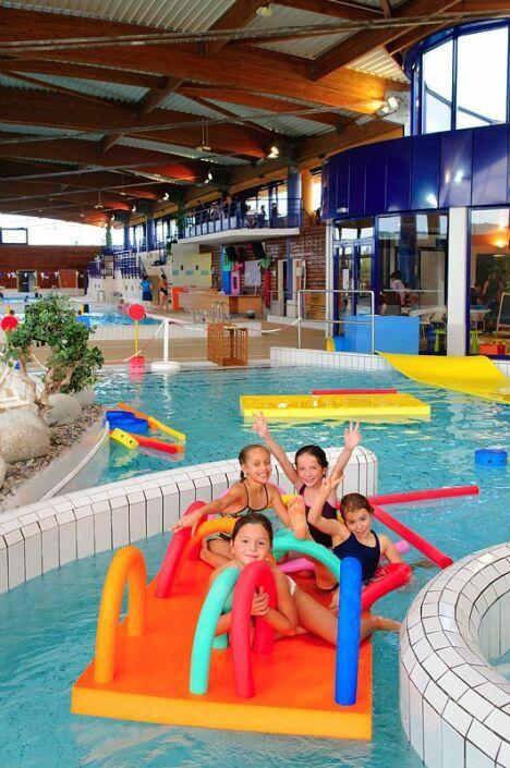Espace nautique de la grande garenne piscine saint for Piscine jardin de la republique