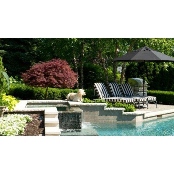 une terrasse de piscine en pierre naturelle ou reconstitu e. Black Bedroom Furniture Sets. Home Design Ideas
