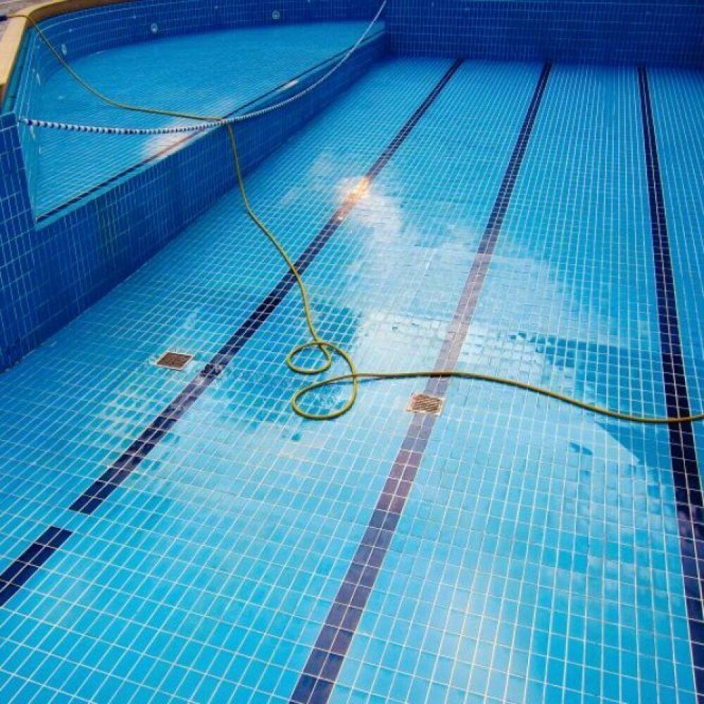 Une vidange obligatoire par an pour les piscines publiques© iStock - Thinkstock