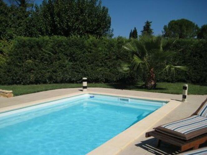"Une alarme de piscine infrarouge <span class=""normal italic petit"">© Fotolia</span>"