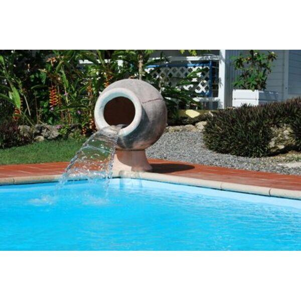 Une fontaine dans votre piscine for Fabriquer une fontaine interieur