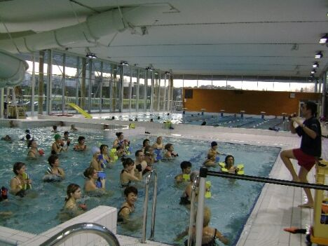 """Une leçon d'aquagym à la piscine de Mourenx<span class=""""normal italic"""">DR</span>"""