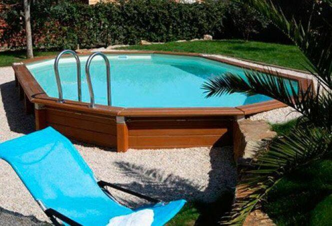 """Une piscine facile à installer et à entretenir<span class=""""normal italic petit"""">© Piscines Caron</span>"""