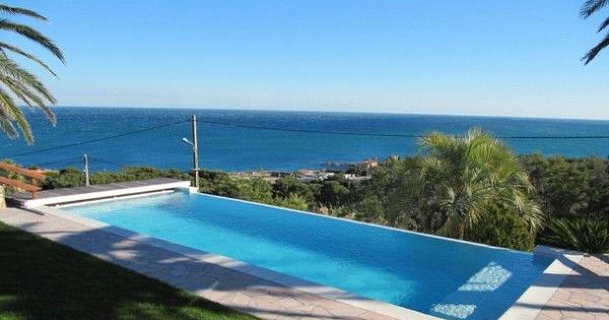 Unjourunepiscine mars 2017 une piscine rectangulaire for Guide des piscines