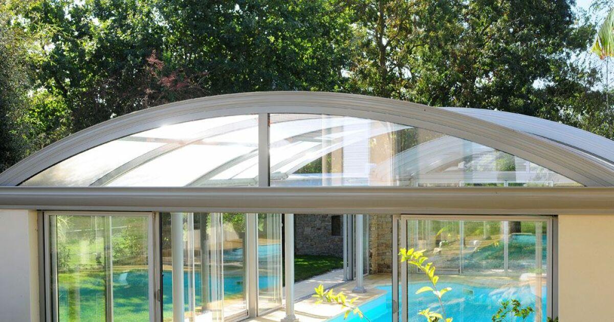 Reportage photos abris de piscines en aluminium up for Piscine aluminium
