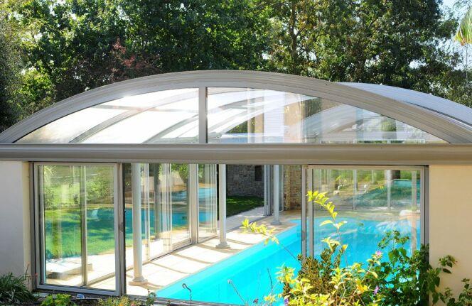 reportage photos abris de piscines en aluminium up abris de piscine photo 6. Black Bedroom Furniture Sets. Home Design Ideas