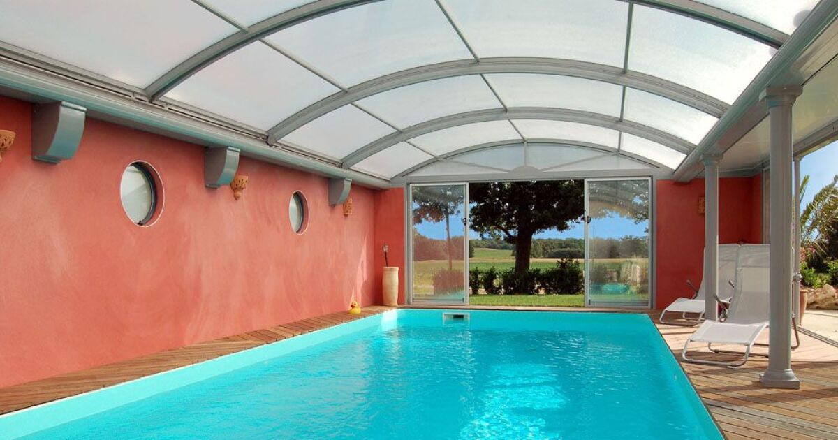 reportage photos abris de piscines en aluminium up. Black Bedroom Furniture Sets. Home Design Ideas