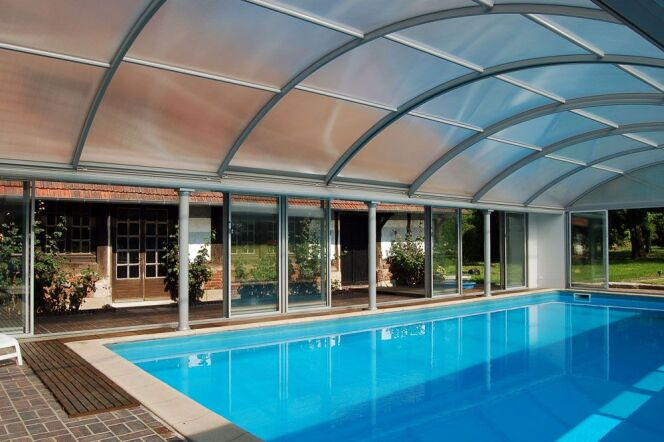 reportage photos abris de piscines en aluminium up abris de piscine photo 8. Black Bedroom Furniture Sets. Home Design Ideas