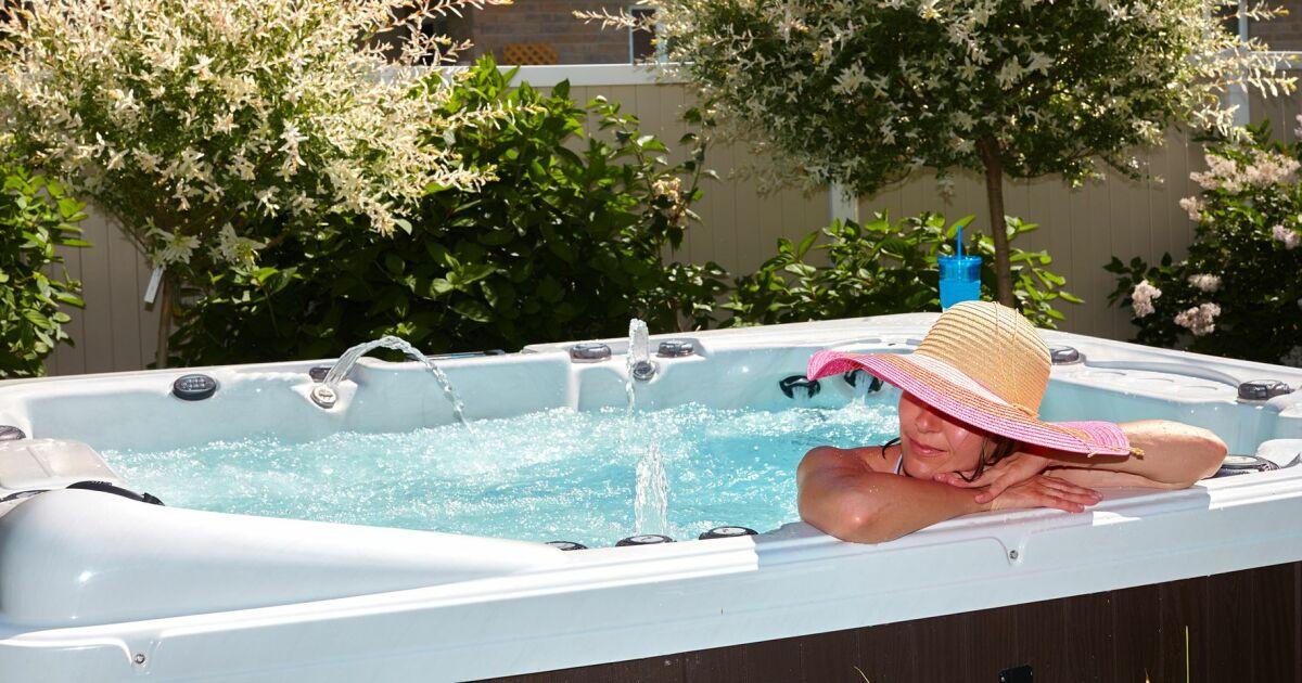 chauffage solaire pour spa. Black Bedroom Furniture Sets. Home Design Ideas