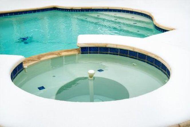 Utiliser un pack d'hivernage pour votre piscine