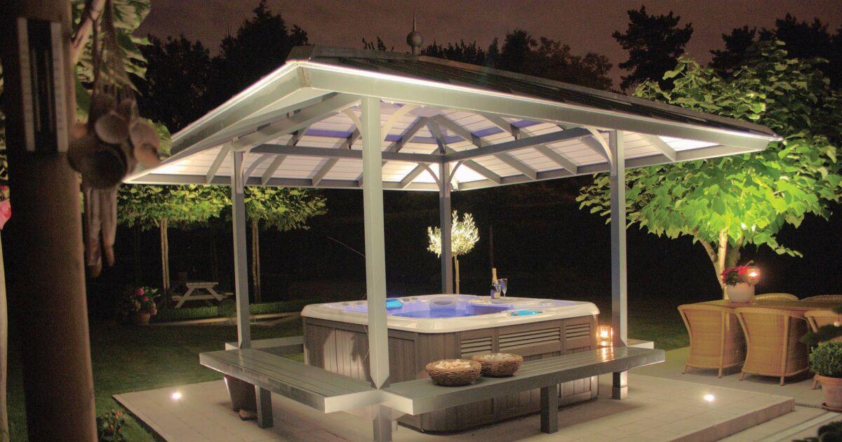 les plus beaux spas ext rieurs en photos le spa par sundance spas photo 16. Black Bedroom Furniture Sets. Home Design Ideas